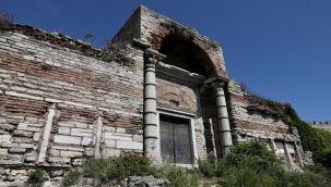 Tarihi surlar Acil Güvenlik nedeniyle onarılıyor