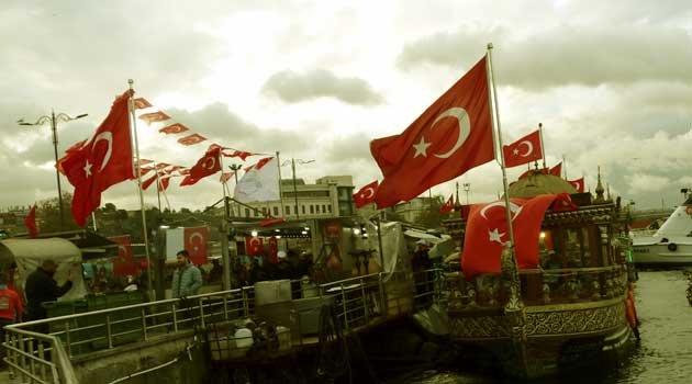 Eminönü Balıkçıları Tahliyeyi Durdurdu