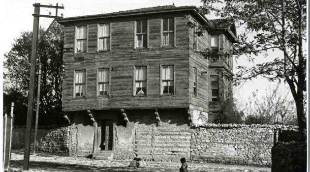 Tarihi bina yerine vasıfsız bir yapılaşma