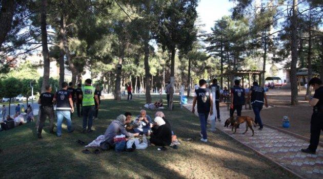 Uyuşturucu ve Magandalarla mücadele parklarda